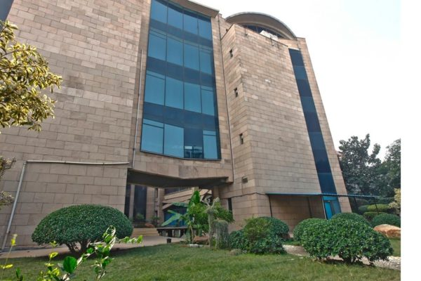 INDEPENDENT  BUILDING OFFICE SPACE AVAILABLE FOR LEASE IN NOIDA