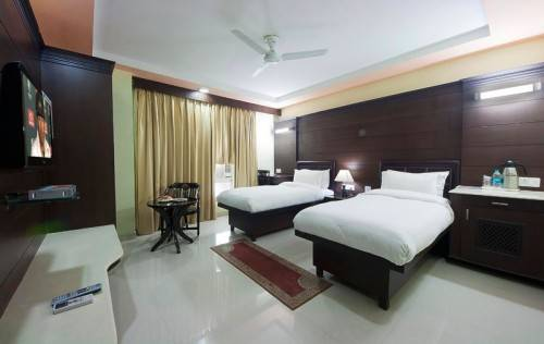 35 ROOM HOTEL AVAILABLE FOR SALE IN AGRA