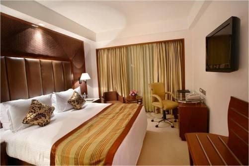 89 ROOM HOTEL FOR LEASE IN GURGOAN, RAJIV CHWOK