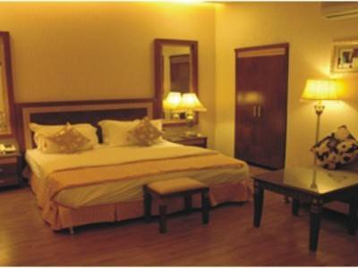 16 ROOM HOTEL AVAILABLE ON LEASE IN NOIDA