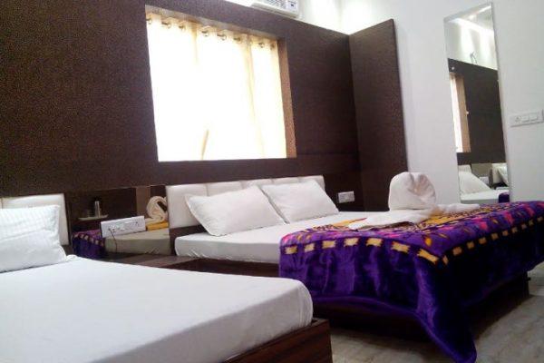 16 ROOM HOTEL FOR LEASE IN VIRANDAVAN (U.P )